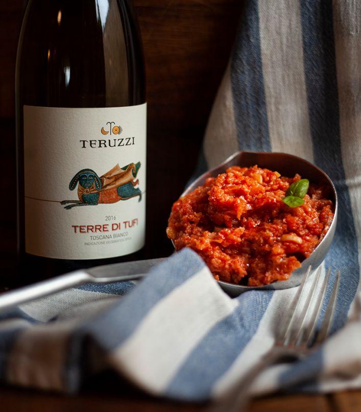 Tour guidato della cantina, degustazione di 3 vini e prodotti tipici toscani